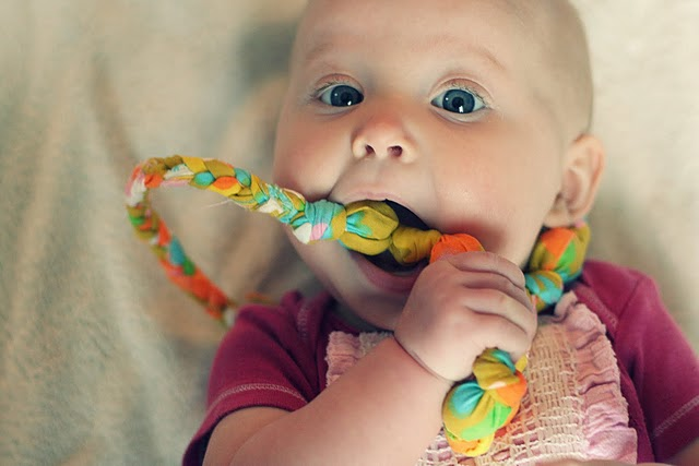 Make your own teething necklace